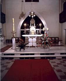 Glavni oltar v danasnji podobi